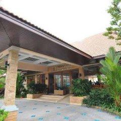 Отель Chalong Villa Resort and Spa интерьер отеля