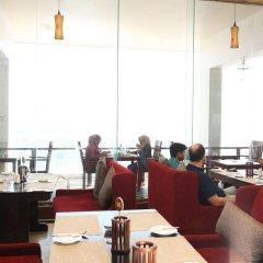 Отель Mirage Hotel Colombo Шри-Ланка, Коломбо - отзывы, цены и фото номеров - забронировать отель Mirage Hotel Colombo онлайн питание фото 3