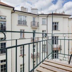 Отель Selinor Old Town Apartments Чехия, Прага - отзывы, цены и фото номеров - забронировать отель Selinor Old Town Apartments онлайн балкон