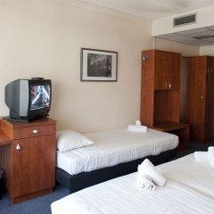 Отель New West Inn удобства в номере фото 2