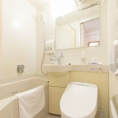 Отель Nishitetsu Inn Tenjin Фукуока ванная фото 2