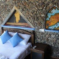 Отель Sirince Tas Konak Торбали комната для гостей фото 4
