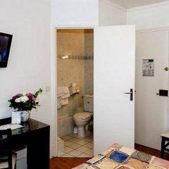 Amiot Hotel сейф в номере