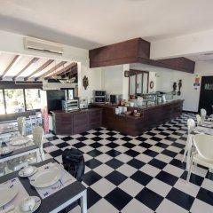 Отель azuLine Hotel Galfi Испания, Сан-Антони-де-Портмань - 1 отзыв об отеле, цены и фото номеров - забронировать отель azuLine Hotel Galfi онлайн питание