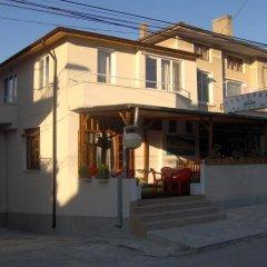Отель Penzion Lotos Аврен вид на фасад