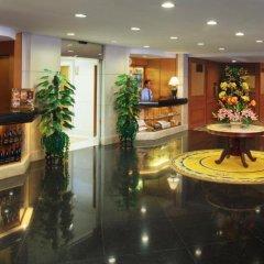 Golden Crown China Hotel развлечения