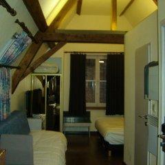 Отель Koffieboontje Бельгия, Брюгге - 1 отзыв об отеле, цены и фото номеров - забронировать отель Koffieboontje онлайн комната для гостей