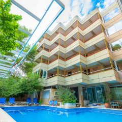 Отель Apollonia Hotel Apartments Греция, Вари-Вула-Вулиагмени - 1 отзыв об отеле, цены и фото номеров - забронировать отель Apollonia Hotel Apartments онлайн бассейн фото 2