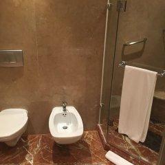 Отель The LaLiT Mumbai ванная фото 2
