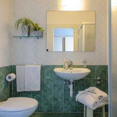 Отель Cristallo Италия, Риччоне - отзывы, цены и фото номеров - забронировать отель Cristallo онлайн ванная