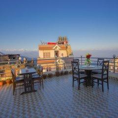 Отель OYO 248 Hotel Galaxy Непал, Катманду - отзывы, цены и фото номеров - забронировать отель OYO 248 Hotel Galaxy онлайн приотельная территория фото 2