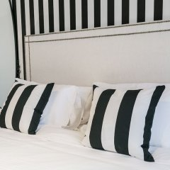 Отель One Perfect Stay - 2BR at Zanzabeel 3 сейф в номере