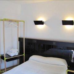 Отель Hostal Athenas удобства в номере