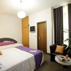Отель Арт Отель Италия, Мирано - 1 отзыв об отеле, цены и фото номеров - забронировать отель Арт Отель онлайн комната для гостей фото 3