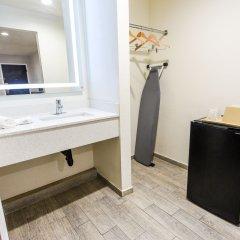 Отель Hollywood Inn Express LAX удобства в номере фото 2