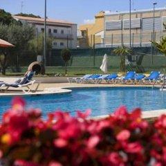 Отель RVHotels Nieves Mar бассейн