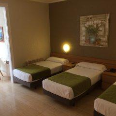 Aneto Hotel комната для гостей