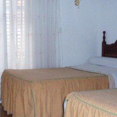 Отель Hostal Castilla Испания, Мадрид - отзывы, цены и фото номеров - забронировать отель Hostal Castilla онлайн комната для гостей фото 2