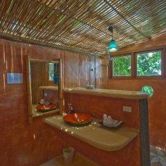 Отель Koh Tao Bamboo Huts Таиланд, Остров Тау - отзывы, цены и фото номеров - забронировать отель Koh Tao Bamboo Huts онлайн ванная фото 2