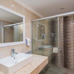 Crystal Waterworld Resort & Spa Турция, Богазкент - 2 отзыва об отеле, цены и фото номеров - забронировать отель Crystal Waterworld Resort & Spa онлайн ванная фото 2