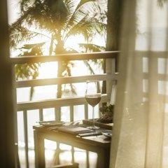 Отель Outrigger Laguna Phuket Beach Resort балкон