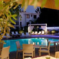 Отель Anemi бассейн