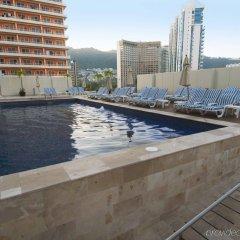 Отель One Acapulco Costera бассейн