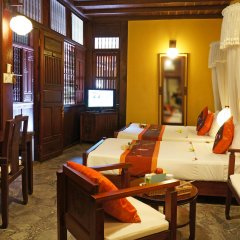 Vinh Hung Heritage Hotel интерьер отеля