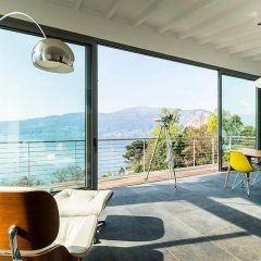 Отель Luxury Italian Lakes Villa With Private Pool, Gym, Bbq, Free Wifi, Lake Views Вербания балкон