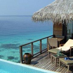 Отель Coco Bodu Hithi Мальдивы, Остров Гасфинолу - отзывы, цены и фото номеров - забронировать отель Coco Bodu Hithi онлайн балкон
