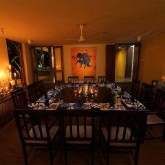 Отель Saffron & Blue - an elite haven Шри-Ланка, Косгода - отзывы, цены и фото номеров - забронировать отель Saffron & Blue - an elite haven онлайн питание фото 2