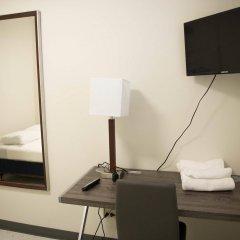 Отель West Side YMCA удобства в номере фото 2