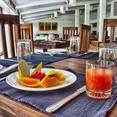 Отель Lakeside At Nuwarawewa Анурадхапура питание