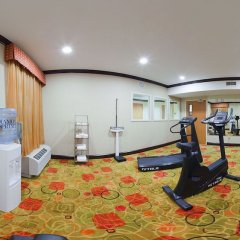 Holiday Inn Express Hotel & Suites Anderson-I-85 фитнесс-зал фото 3