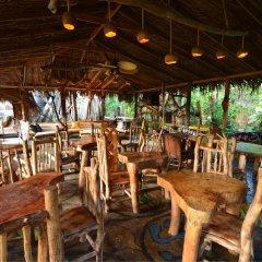 Отель Great Huts Ямайка, Порт Антонио - отзывы, цены и фото номеров - забронировать отель Great Huts онлайн гостиничный бар