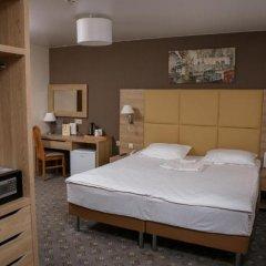 Гостиница Амакс Отель Омск в Омске 1 отзыв об отеле, цены и фото номеров - забронировать гостиницу Амакс Отель Омск онлайн сейф в номере