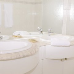 Отель Aparthotel Brussels Midi ванная фото 2