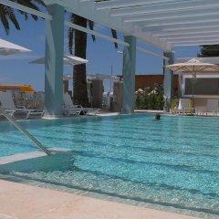 Отель Cronwell Resort Sermilia бассейн