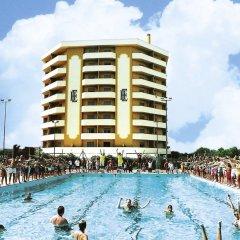 Отель Residence Eurhotel Монтезильвано бассейн