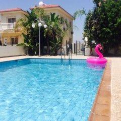 Отель Villa Daisy бассейн