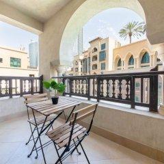 Отель Maison Privee - Burj Khalifa Community Дубай балкон