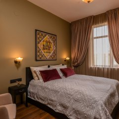 Отель FM Luxury 2-BDR Apartment - Jazzy Болгария, София - отзывы, цены и фото номеров - забронировать отель FM Luxury 2-BDR Apartment - Jazzy онлайн комната для гостей фото 2