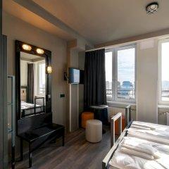 Отель a&o Warsaw Wola Польша, Варшава - отзывы, цены и фото номеров - забронировать отель a&o Warsaw Wola онлайн комната для гостей фото 3