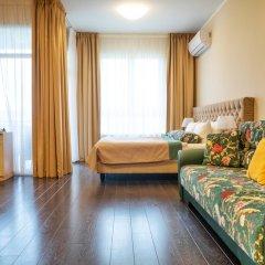 Гостиница Fenix Deluxe Apartment on Golubaya 5 в Сочи отзывы, цены и фото номеров - забронировать гостиницу Fenix Deluxe Apartment on Golubaya 5 онлайн комната для гостей фото 2