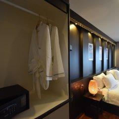 Отель Simple Life Cliff View Resort сейф в номере