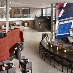 Отель Hyatt Place Amsterdam Airport Нидерланды, Хофддорп - 5 отзывов об отеле, цены и фото номеров - забронировать отель Hyatt Place Amsterdam Airport онлайн гостиничный бар