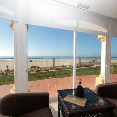 Отель AP Oriental Beach Португалия, Портимао - отзывы, цены и фото номеров - забронировать отель AP Oriental Beach онлайн комната для гостей фото 5