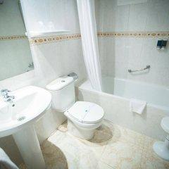 Отель Port Mar Blau Adults Only Испания, Бенидорм - 1 отзыв об отеле, цены и фото номеров - забронировать отель Port Mar Blau Adults Only онлайн ванная