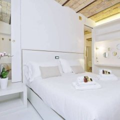 Отель Charming flat near Colosseum Рим комната для гостей фото 4