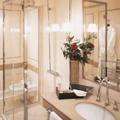 Отель Relais Santa Croce by Baglioni Hotels Италия, Флоренция - отзывы, цены и фото номеров - забронировать отель Relais Santa Croce by Baglioni Hotels онлайн ванная фото 2